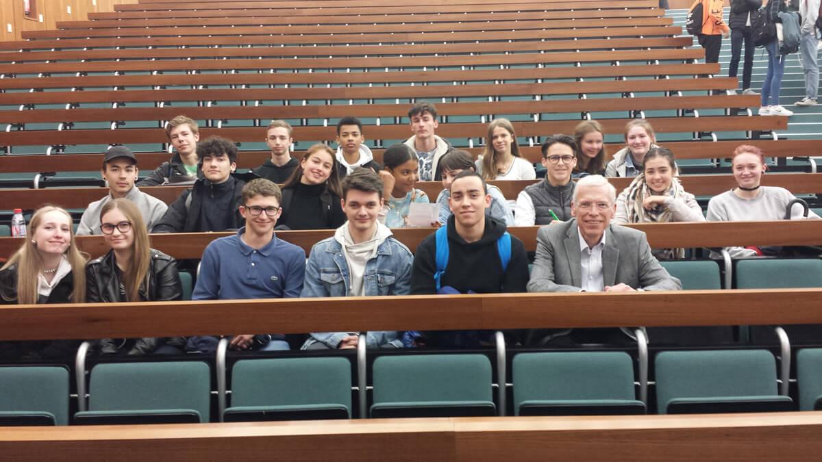 Klasse Première ES anlässlich des Europatags an der Saar-Universität