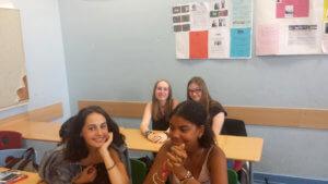 Le personnel de la Bundesbank rendent visitent aux élèves de seconde ES
