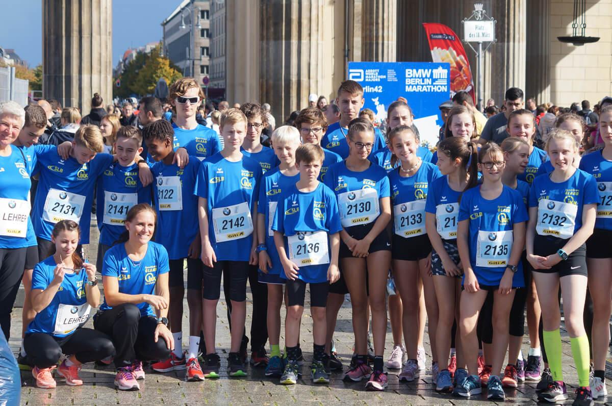 DFG-Läuferquartett am Brandenburger Tor erfolgreich