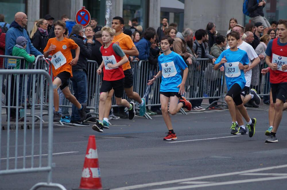 Colleen Weber und Leon Glaub mit tollen Erfolgen für das Team Saarland beim 29. Schüler-Mini-Marathon in Berlin