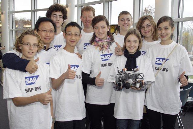 DFG-Schüler bei der First Lego League