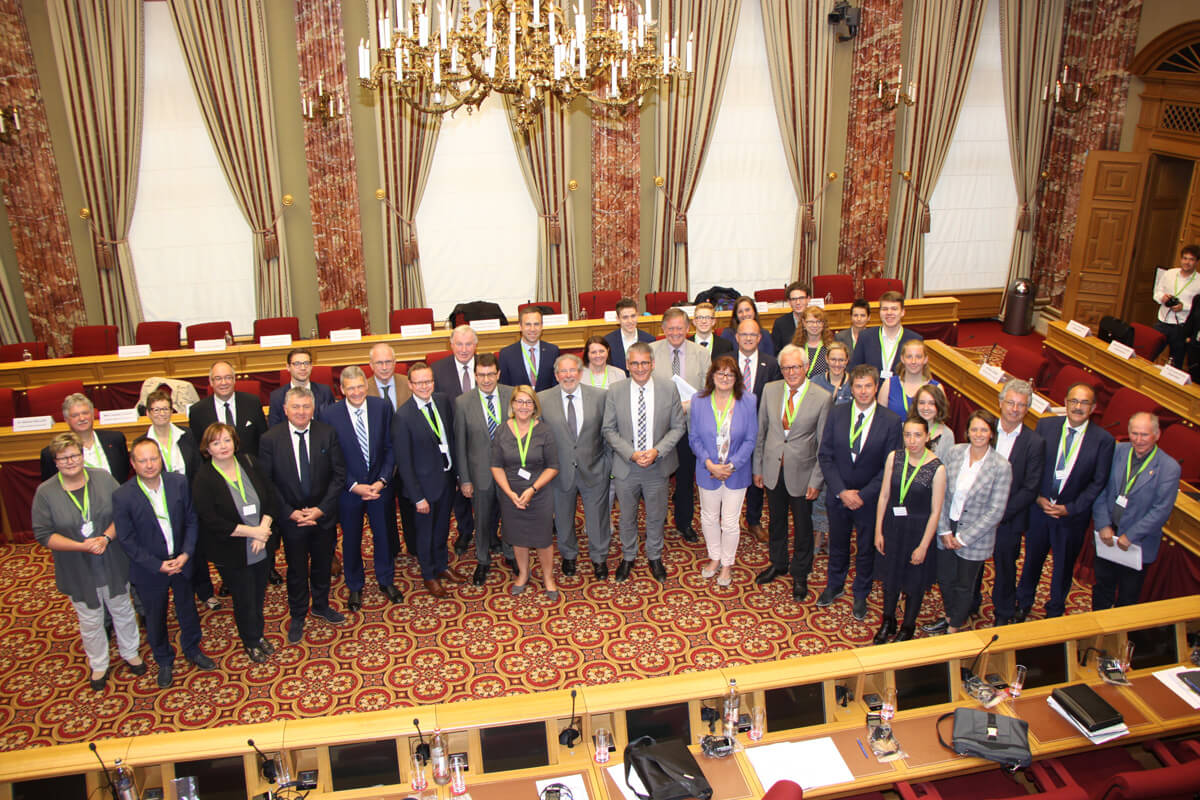 DFG-Schüler Maurice Kruchten im Interregionalen Parlamentarierrat
