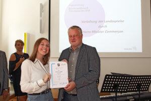 Lara Kreischer mit Bildungsminister Commerçon