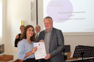 Rebecca Pelster mit Bildungsminister Commerçon
