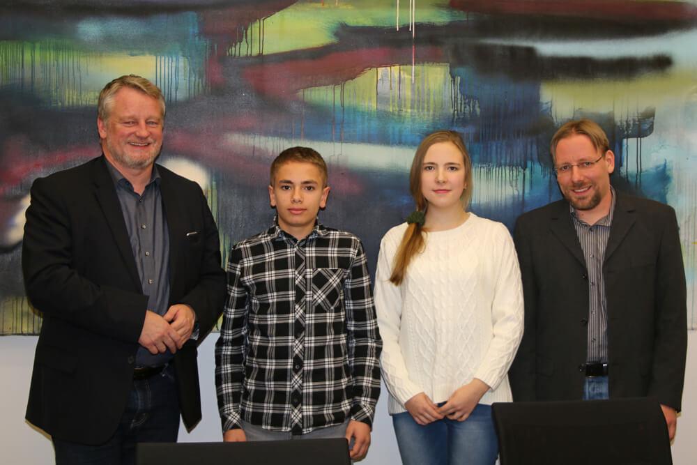 Marta Gorenstein und Maurizio Meinhold von Bildungsminister Commerçon geehrt