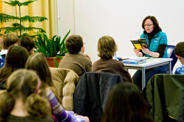 Jugendbuchautorin Angelika Lauriel zu Gast am DFG