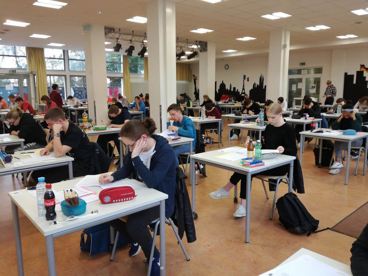 Auftakt der schriftlichen Prüfungen des deutsch-französischen Abiturs 2018