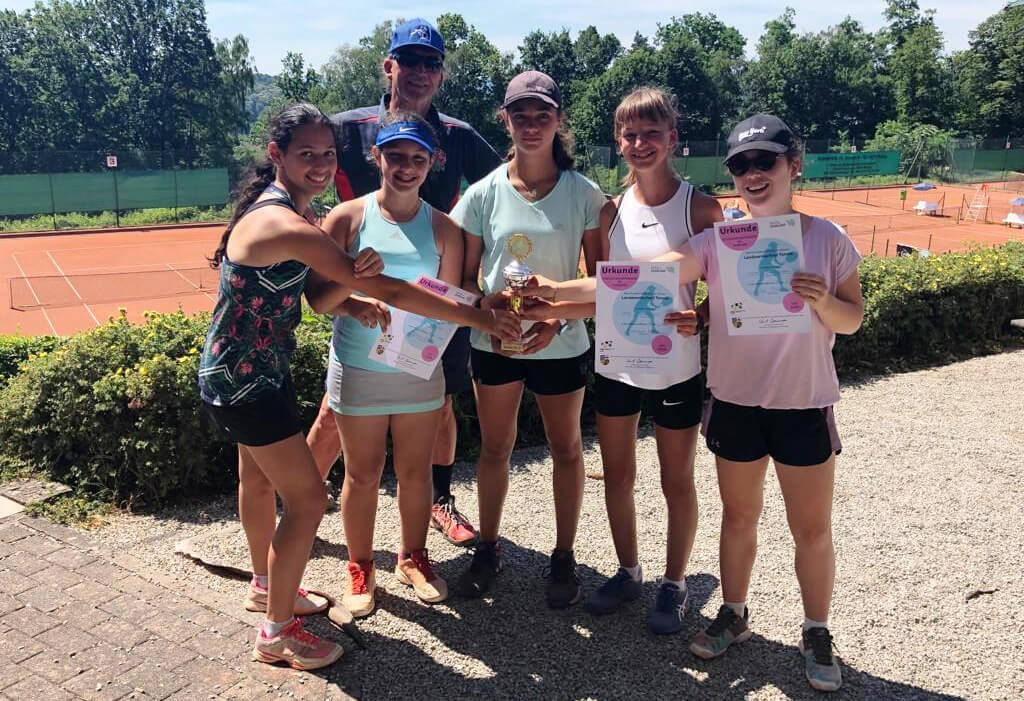 Les tenniswomen du LFA deviennent championnes de Sarre et vont à Berlin pour la finale nationale