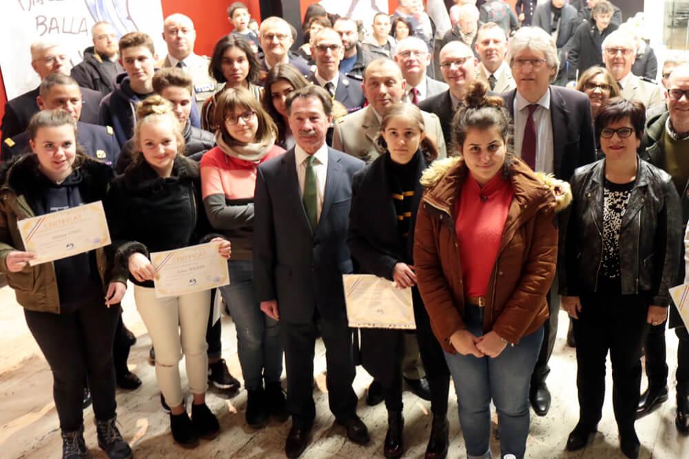 "Verleihung der ""Parrainage Citoyen""-Urkunde an Pauline Palandre"
