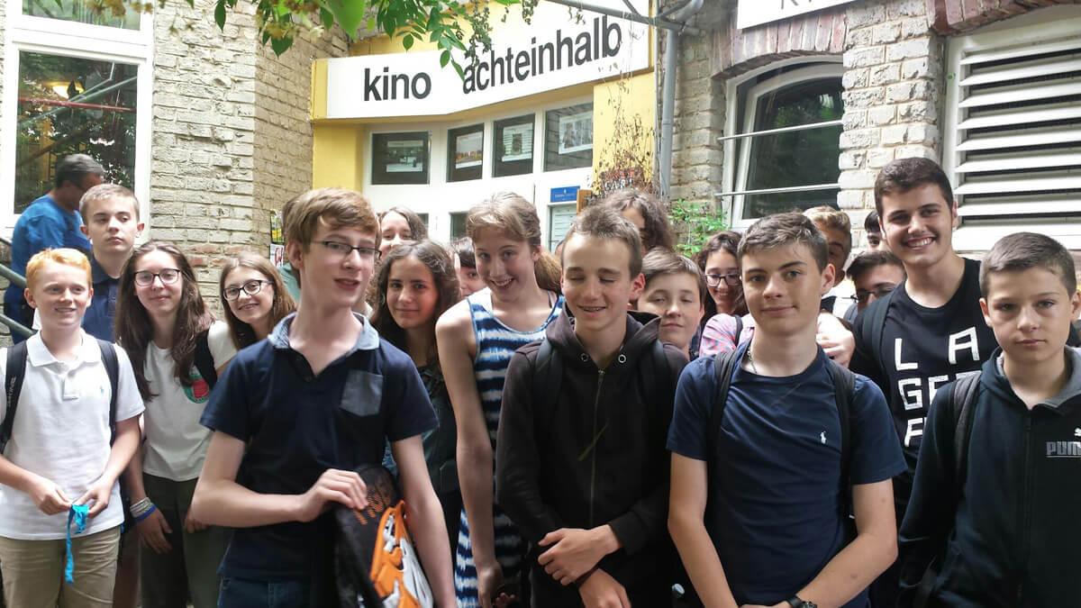 """Partnersprache Deutsch-Schüler der Klassen 8S1 und 8SL im Kino 8½:  """"10 Milliarden – Wie werden wir alle satt?"""""""