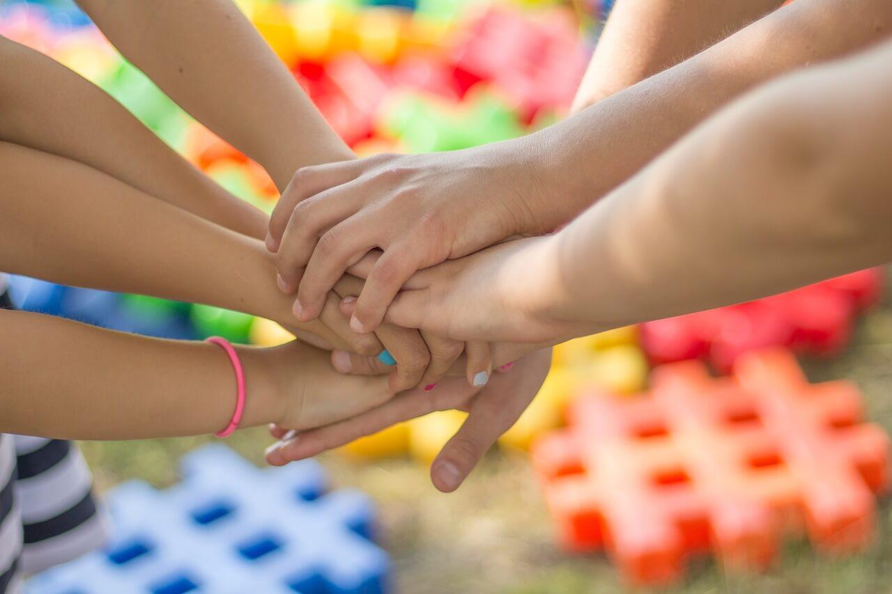 Articles des élèves pour la journée en faveur des droits de l'enfant